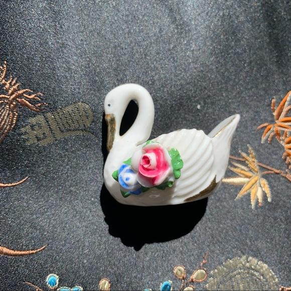 Mid Century Occupied Japan Porcelain Rose Swan